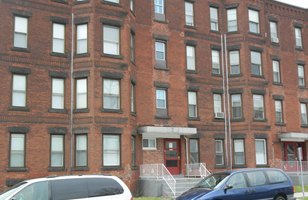 Brownstone apartment building 1 bedroom apartments